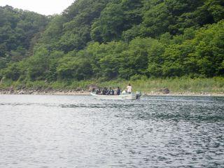 本栖湖 ダイバー船