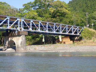 秋葉オートキャンプ場近くの橋